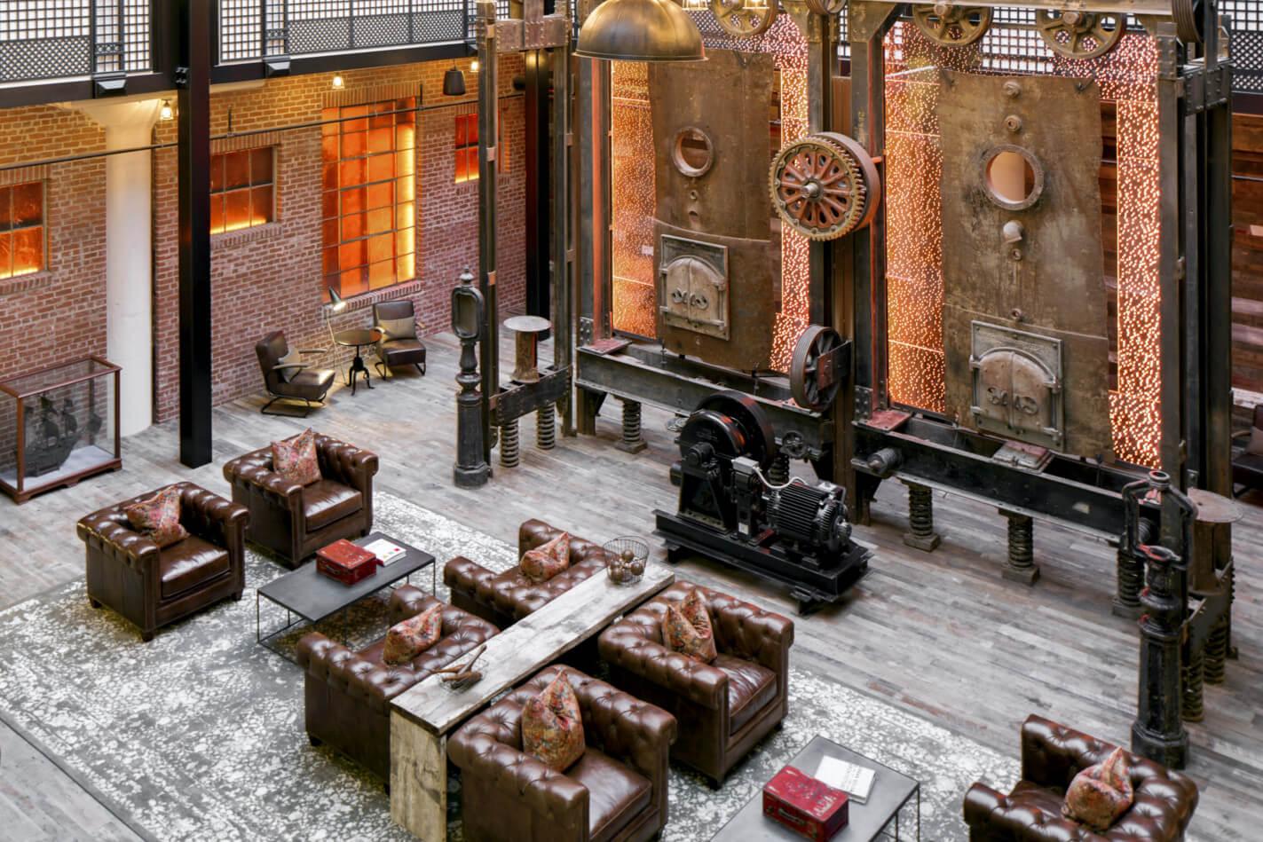 hecht-lobby